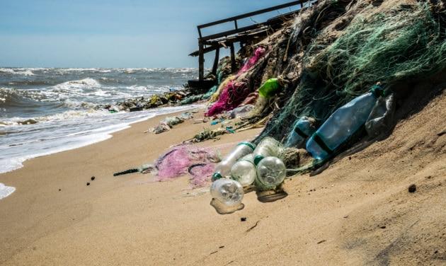 Dopo le Età della Pietra, del Bronzo e del Ferro: l'Età della Plastica