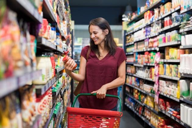 spesa-supermercato-signora