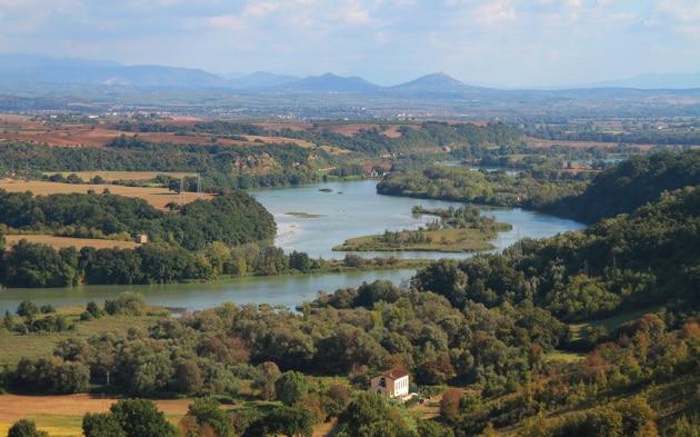 panoramica-della-riserva-naturale-regionale-nazzano-tevere-farfa
