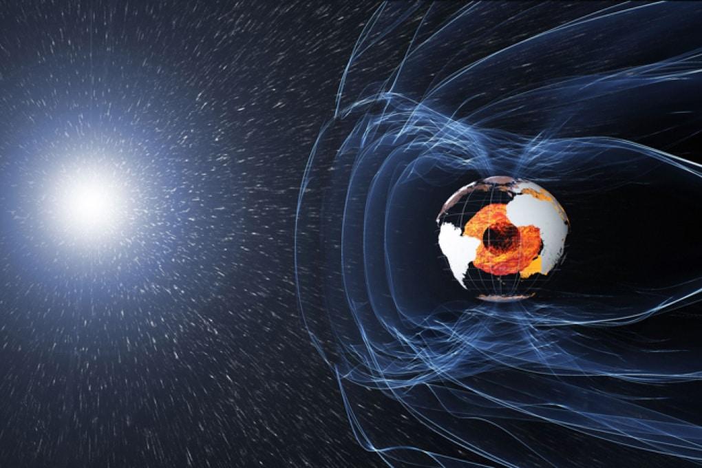 Il polo nord magnetico si sposta più velocemente che in passato
