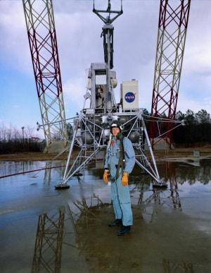 Neil Armstrong, NASA, Apollo 11, LEM