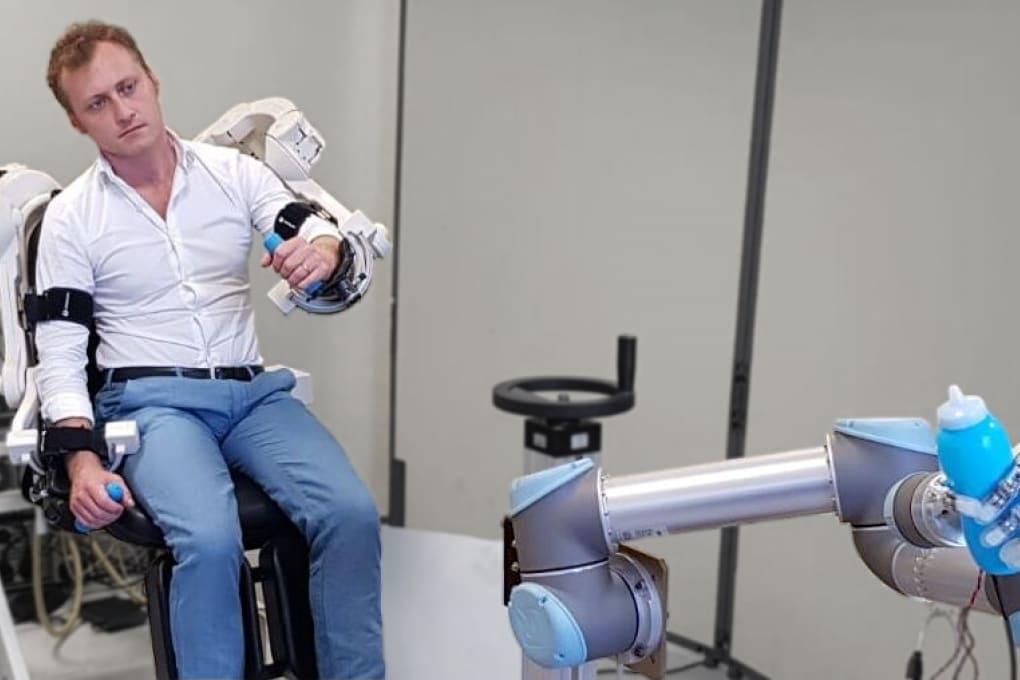 INSTALLAZIONI: Esoscheletro e mano robotica
