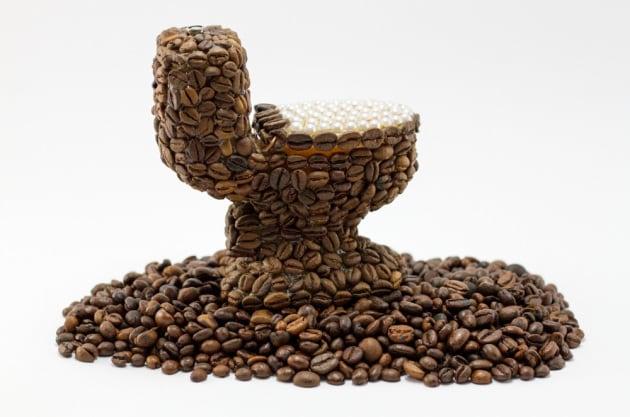 Perché il caffè ha un effetto lassativo?