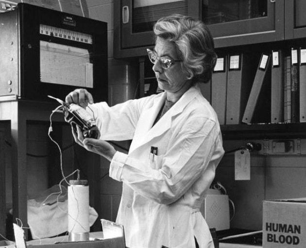 Sarah Stewart: la scienziata che svelò il collegamento tra virus e cancro