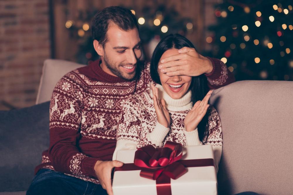 Bambini Che Scartano I Regali Di Natale.Regali Di Natale Cosa Rivelano Di Noi Focus It