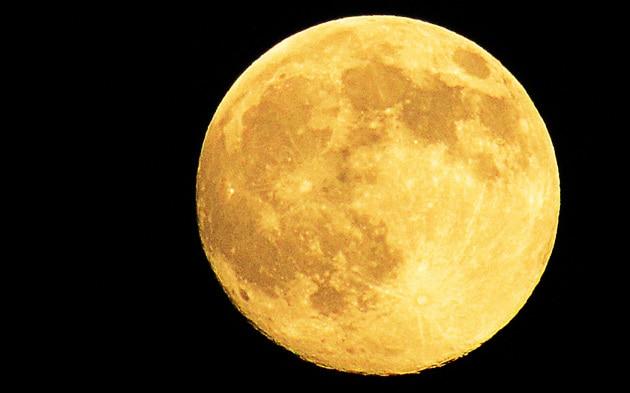 Ecco perché la Luna ha due facce così differenti