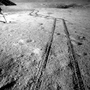 la Cina sulla Luna: le foto da Chang'e-4 e dal suo rover, Yutu-2