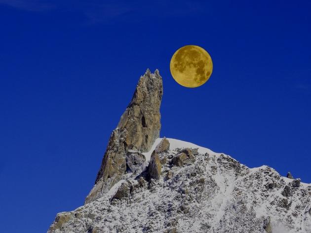 L origine della Luna: ecco perché è così simile alla Terra