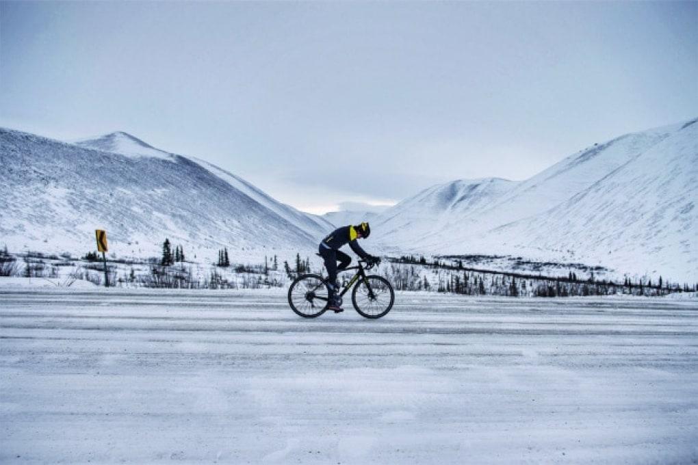 Omar Di Felice: la traversata dell'Alaska in bicicletta